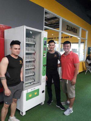 Máy bán hàng tự động Bamoo tại phòng GYM Sài gòn